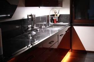 Oświetlenie LED blatu i pod szafką