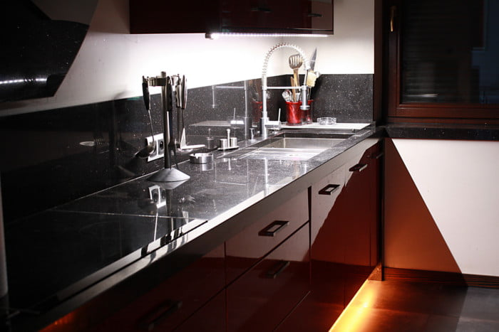 Oświetlenie LED - blat kuchenny RGB