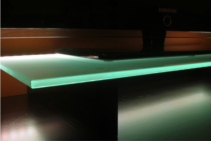 Podświetlenie szklanej tafli